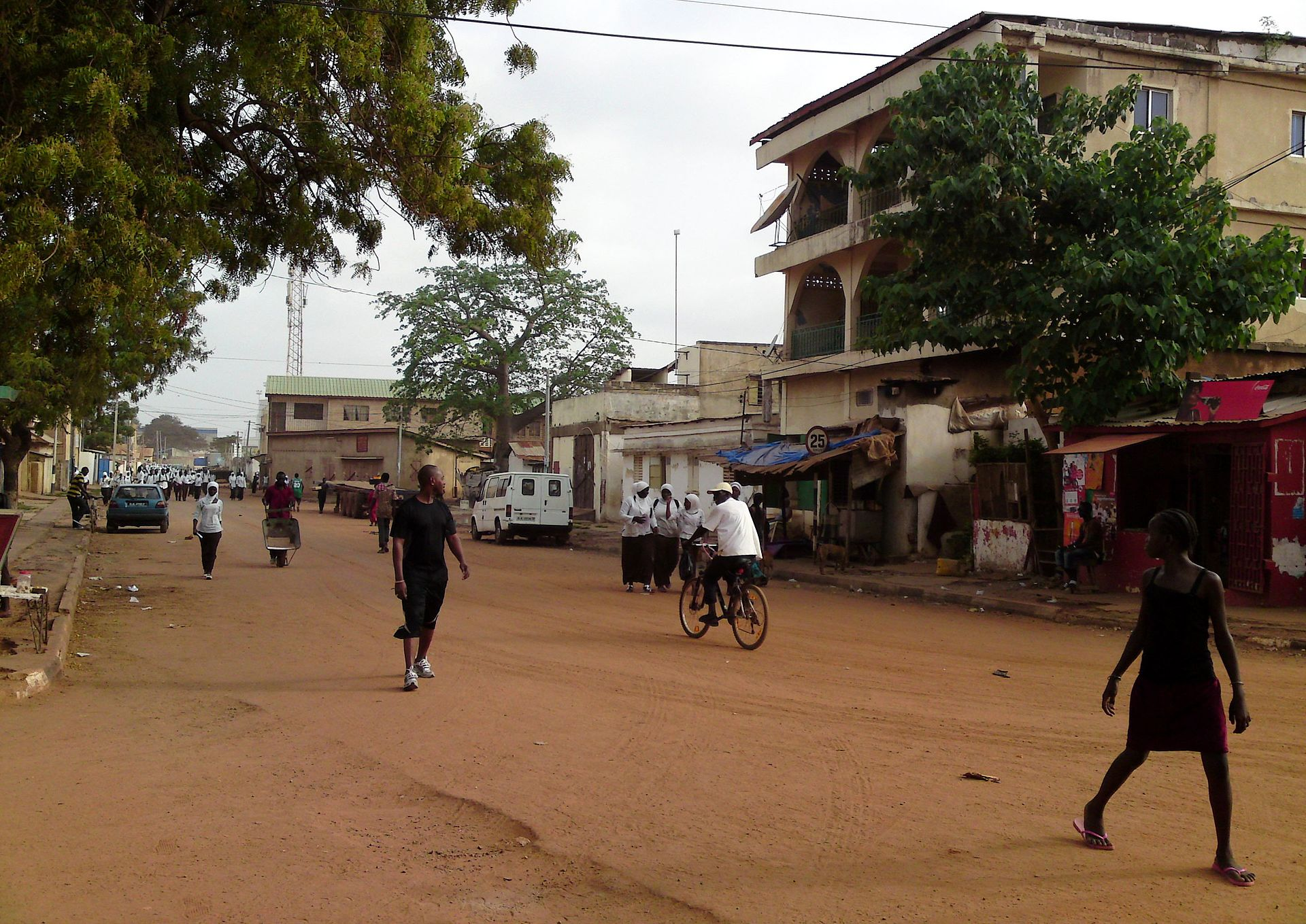 Banjul_(14634074643)