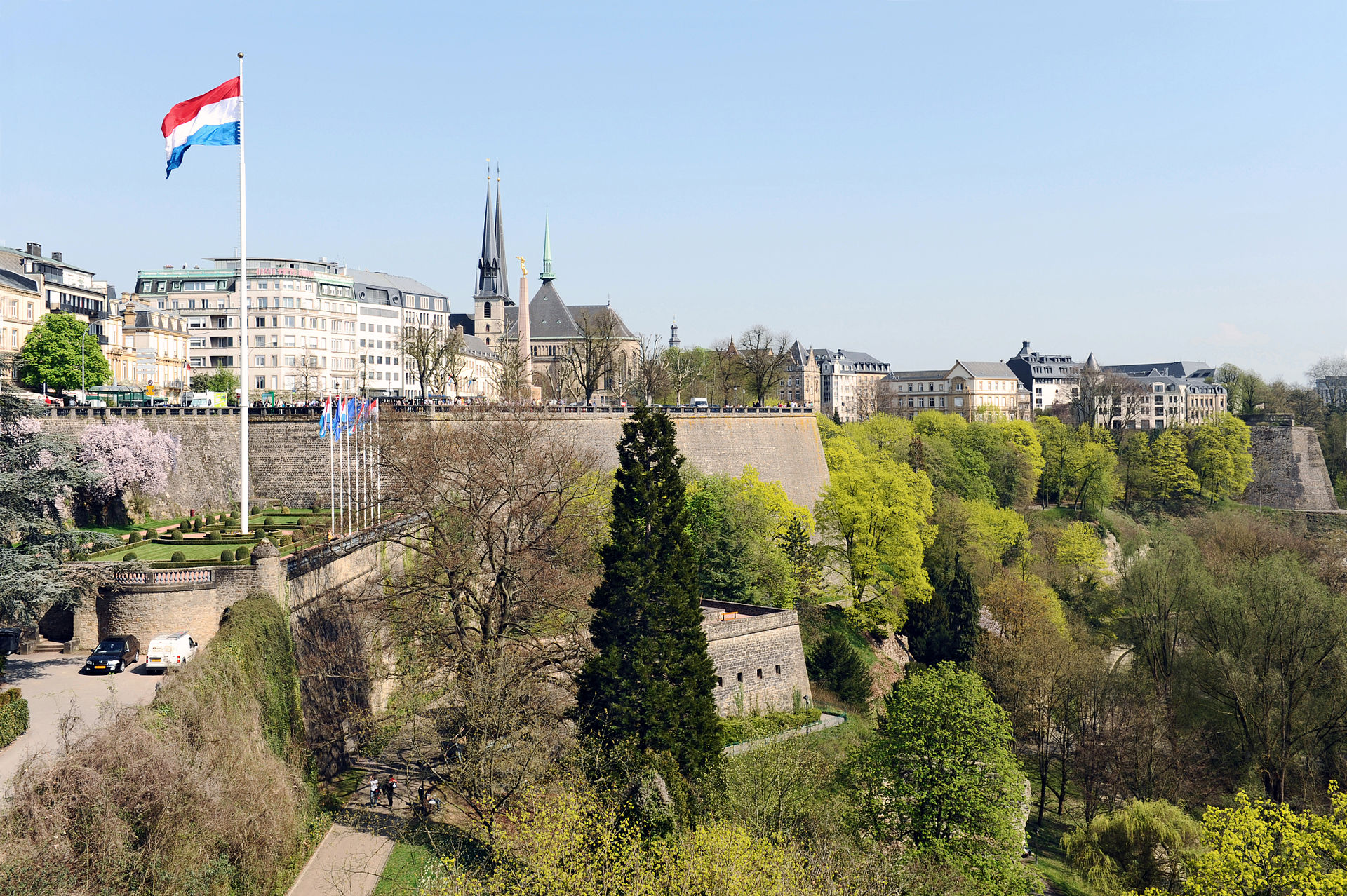 Luxembourg_Fortress_from_Adolphe_Bridge_02_c67