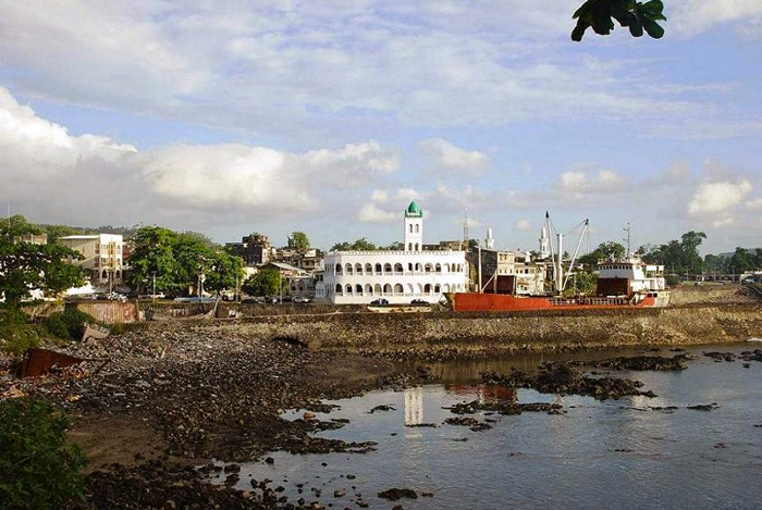 Moroni_Capital_of_the_Comores_Photo_by_Sascha_Grabow