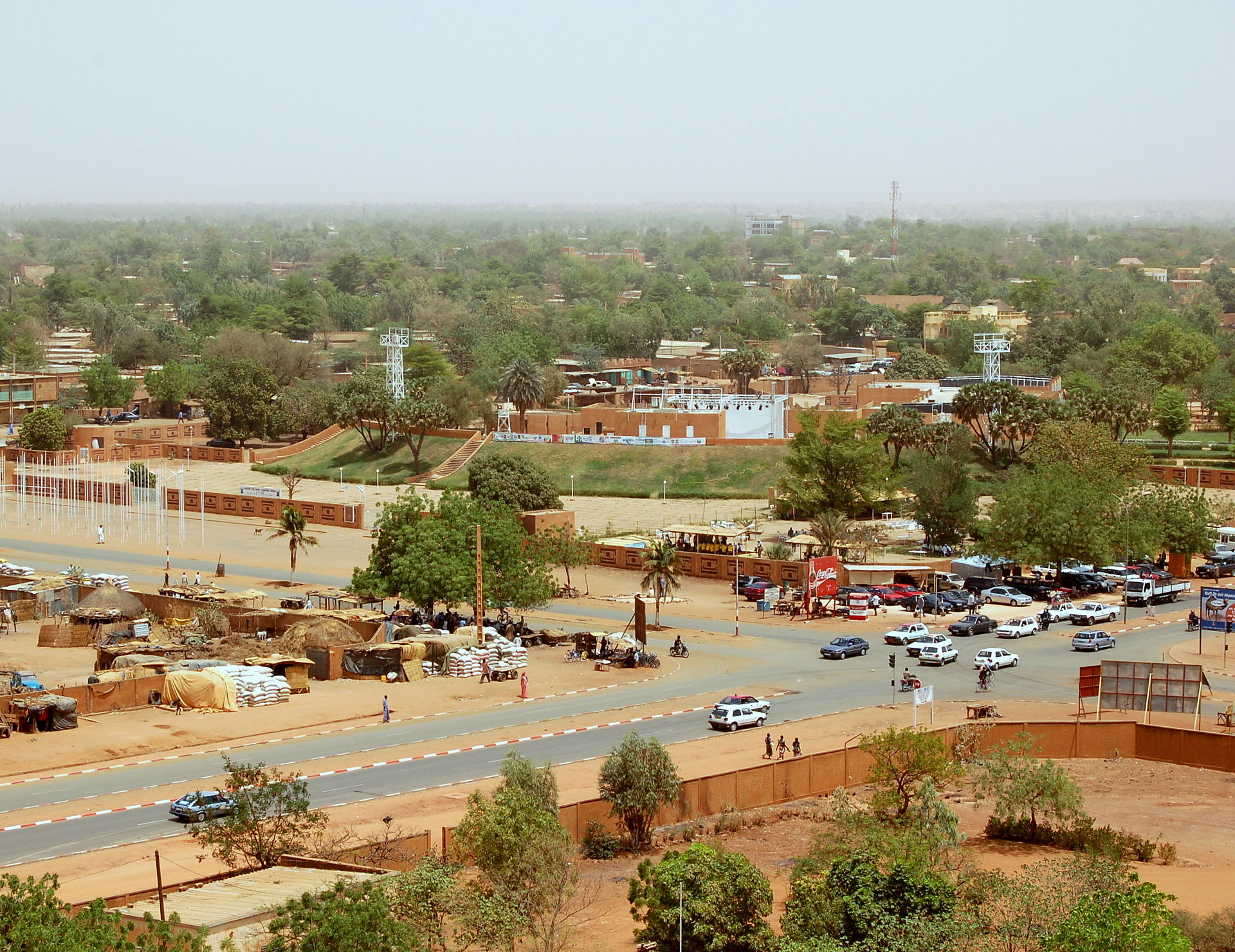 Niamey_from_grand_mosque_theatre_2006