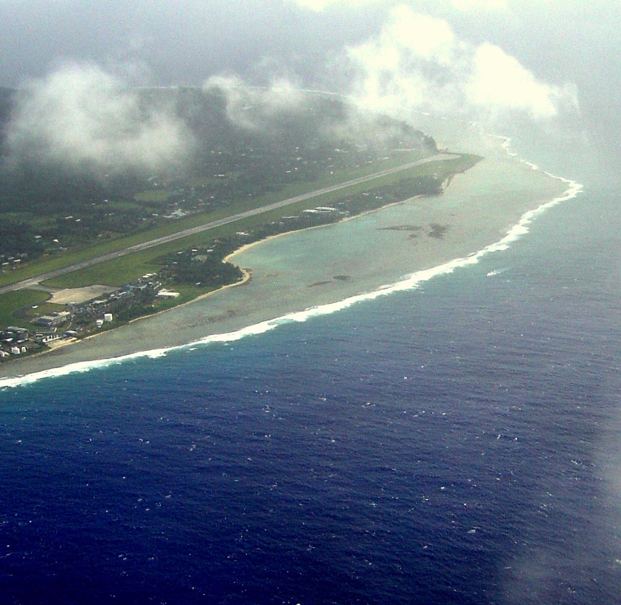 Rarotonga_Airport_from_air1
