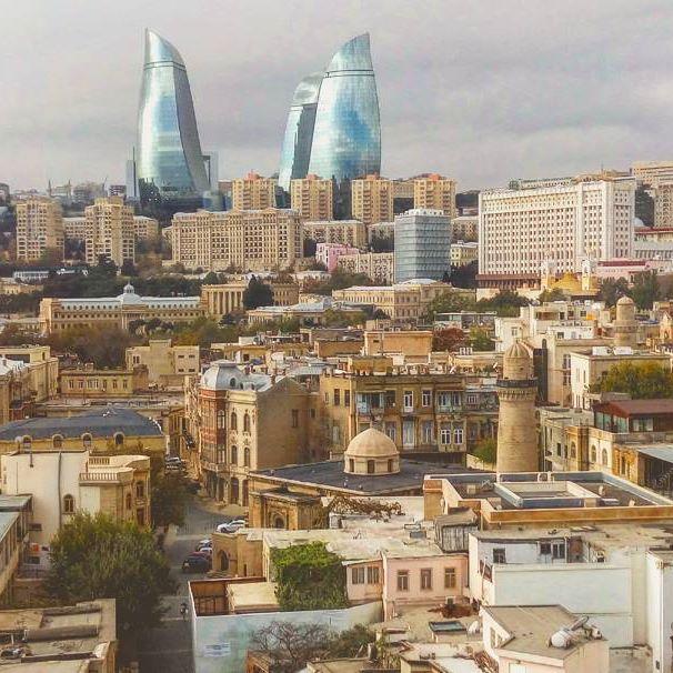 アゼルバイジャン風の街トゥモローランド