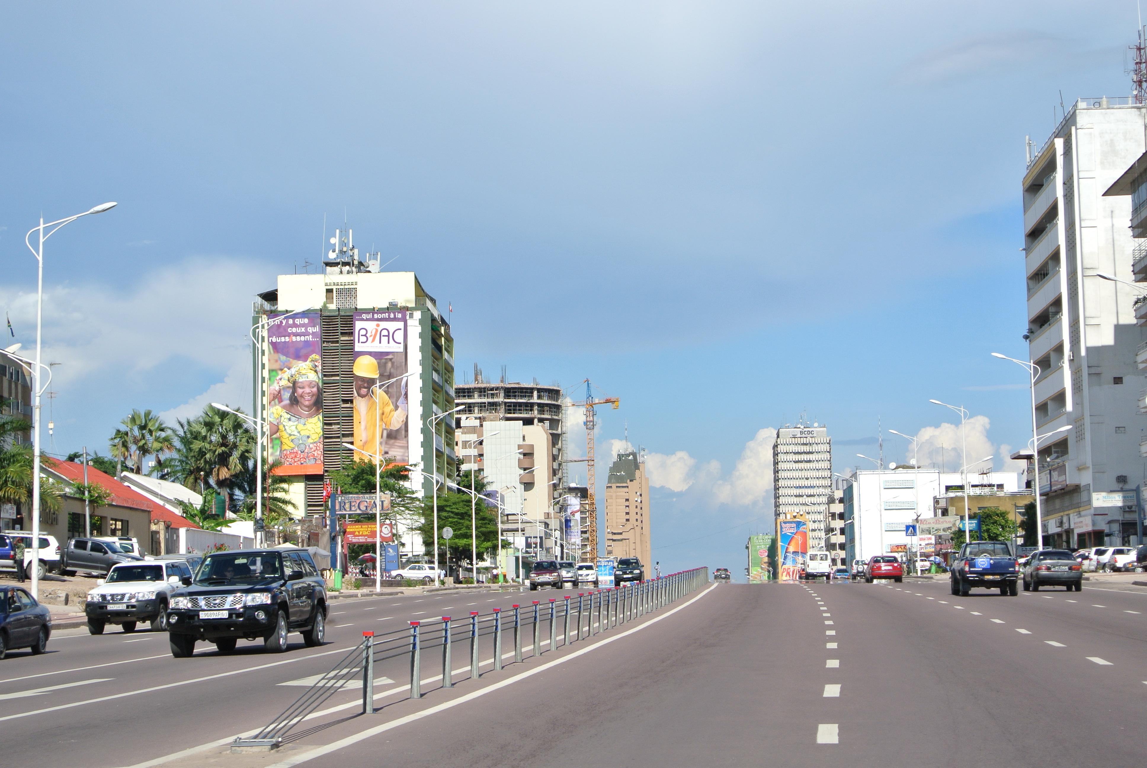 2013_Boulevard_du_30_Juin_Kinshasa_8756682965